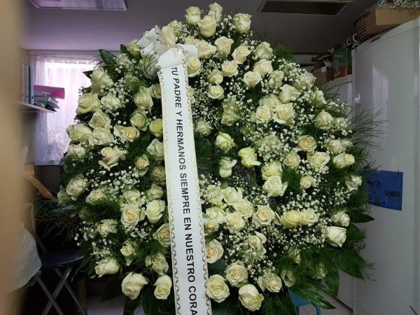 Corona Funeraria Rosas Blancas