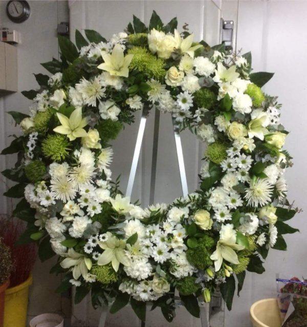 Corona Funeraria Lilium, Margaritas y Anastasias
