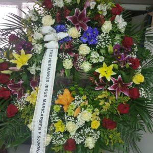 Corona Funeraria Con Variedad de Flores
