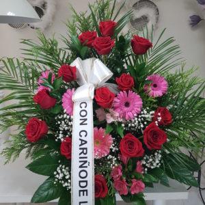 Centro Funerario Rosas rojas y Gerberas Rosas