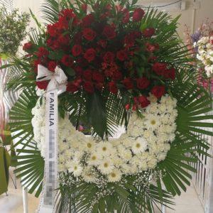 Corona Funeraria Margaritas y Rosas